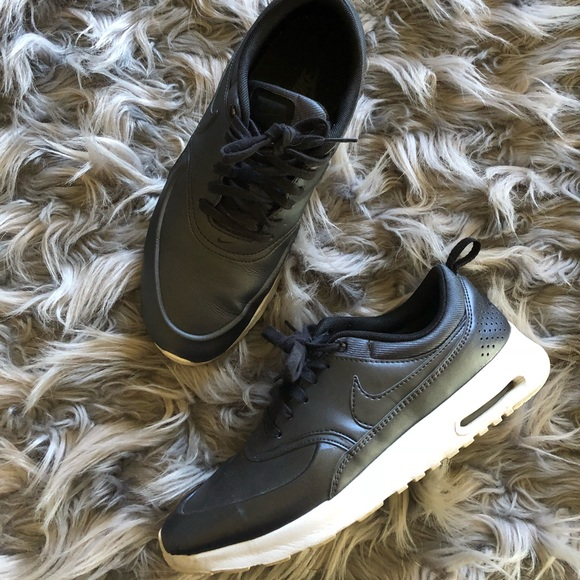 competitive price 334d8 a6806 Nike Air Max Thea, leather, metallic Hematite. M 5b1f01aabaebf6f2e23881c3